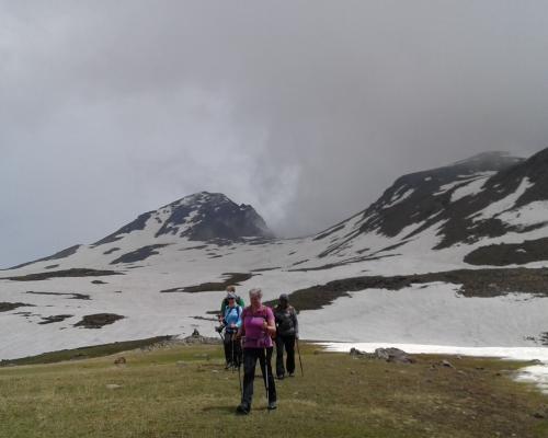 hiking-aragats